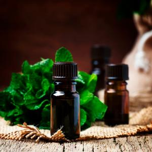 Essential Oils Perfect for Green Cleaning